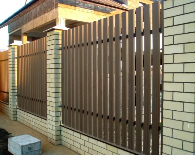 забор для частного дома