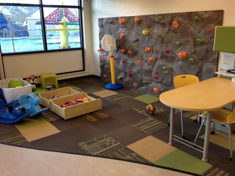 Игровая зона в детской для мальчиков