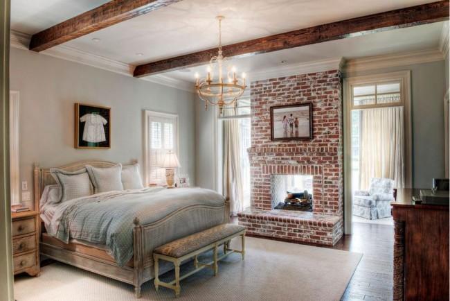 Кирпичные стены в современной спальне