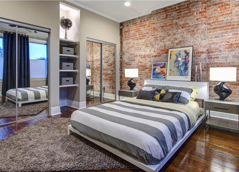 Кирпичная стена в спальню