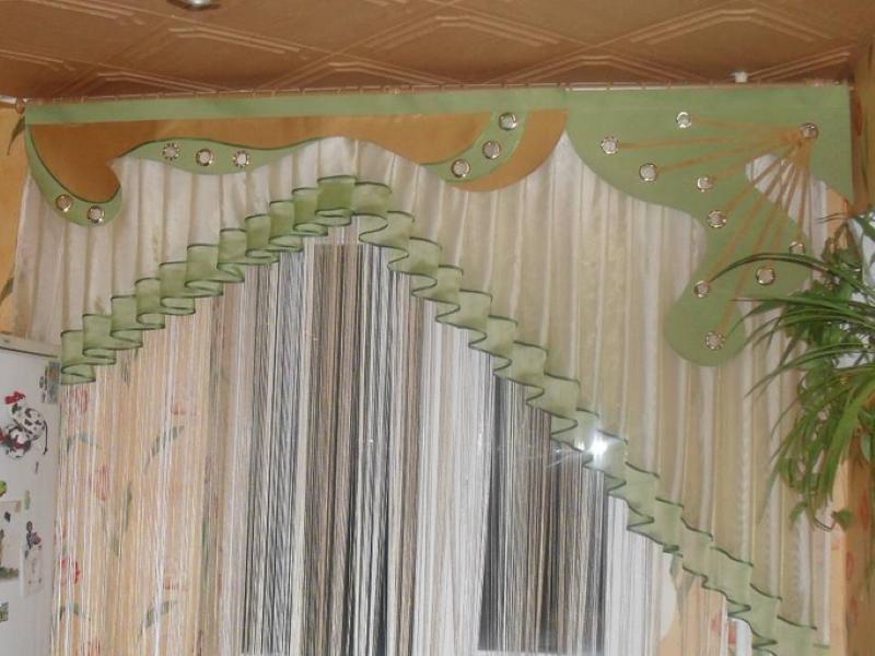 Дизайн кухни: косые шторы