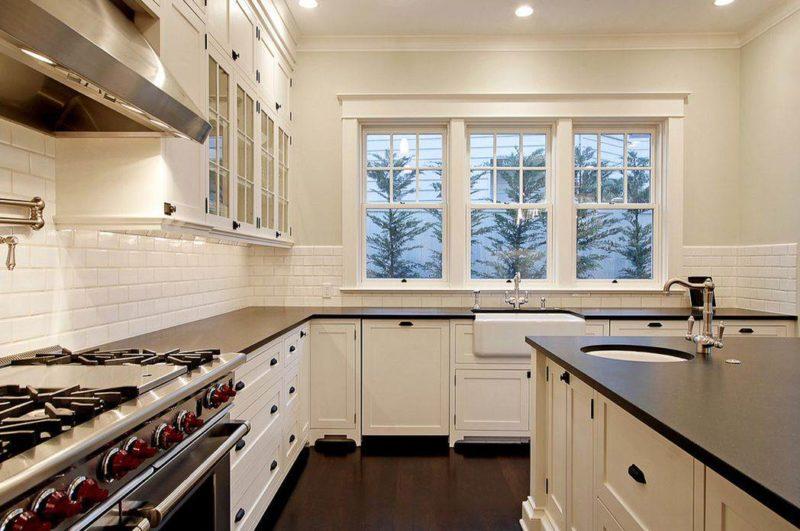 Дизайн: нейтральный фартук на кухне