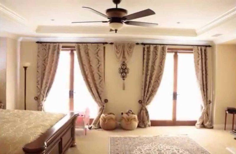 Дизайн спальни: шторы на два окна