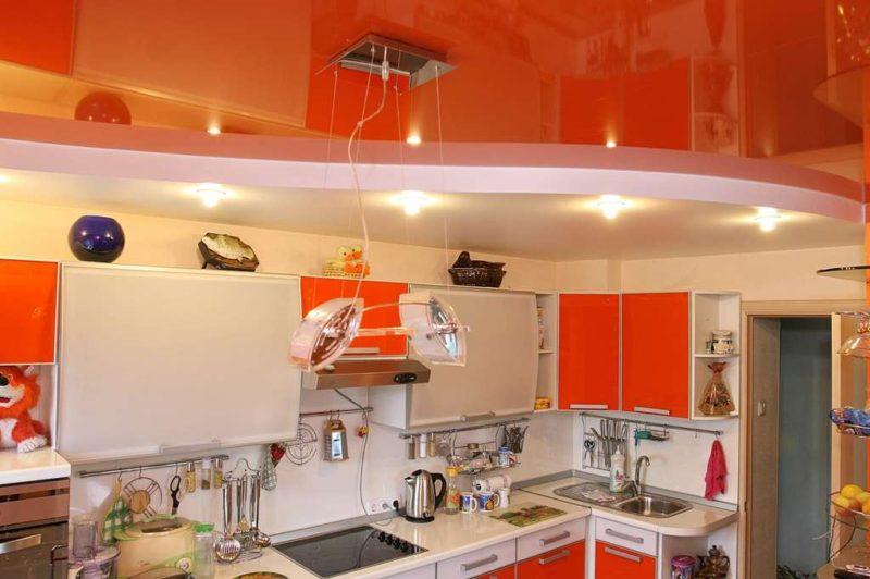 подвесные потолки в кухню