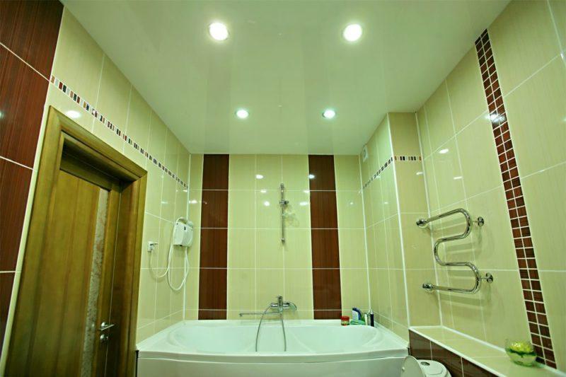особенности подвесных потолков в ванной