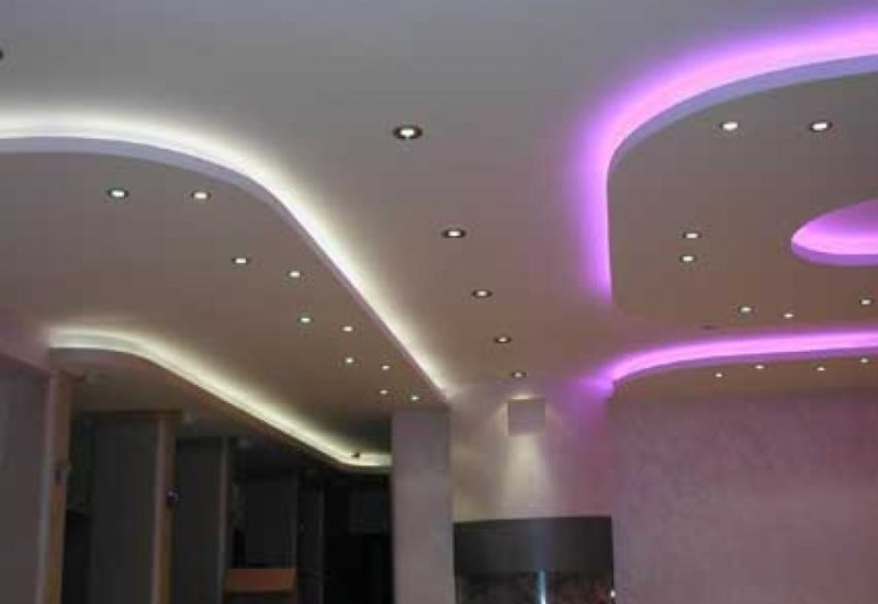 варианты освещения подвесного потолка