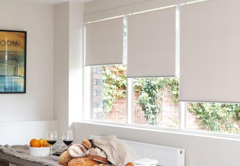 Рулонные шторы в квартиру на пластиковые окна