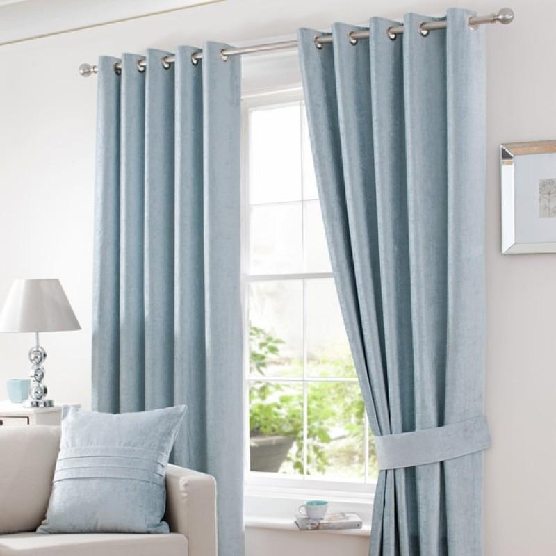 Шторы и цветовая гамма: как украсить окно
