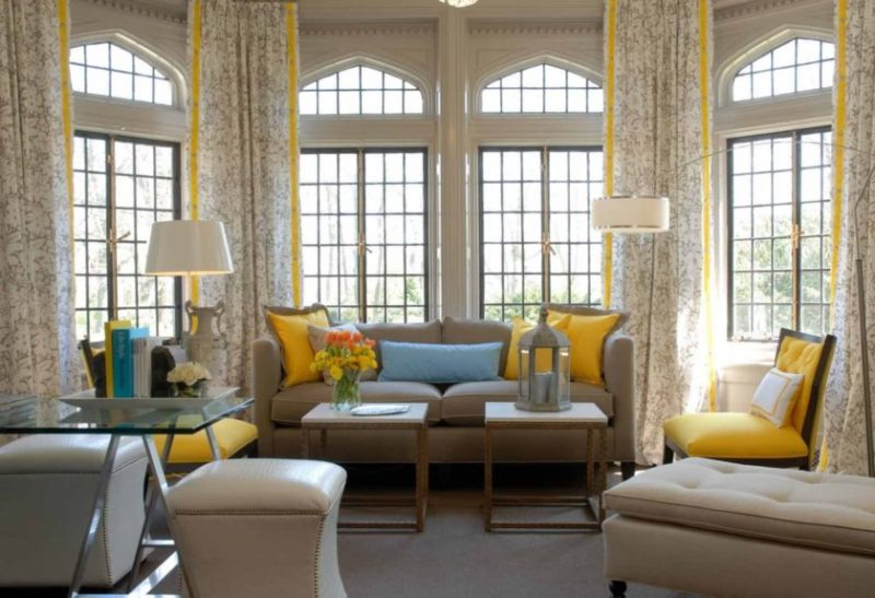 Как красиво оформить окно в квартире