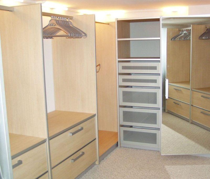 Кладовка-офис из гардеробной
