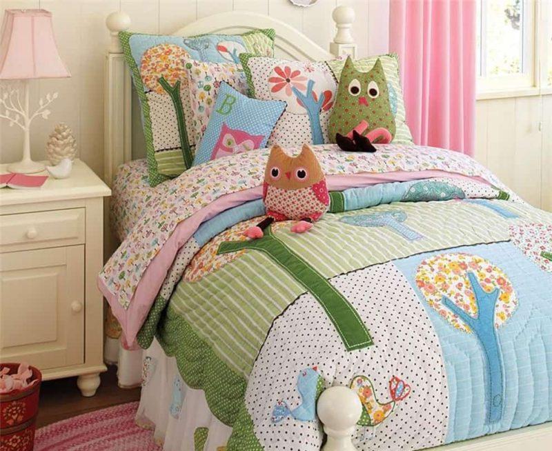 Детская: подушки-игрушки