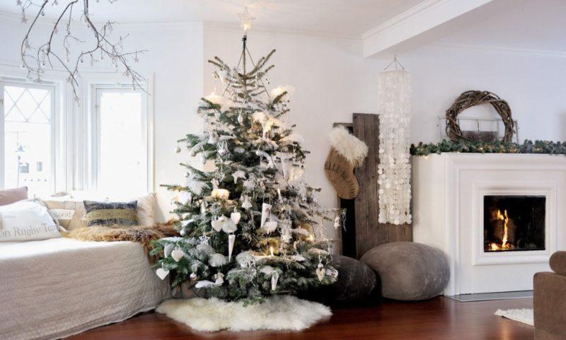 Украшение гостиной к новому году в скандинавском стиле