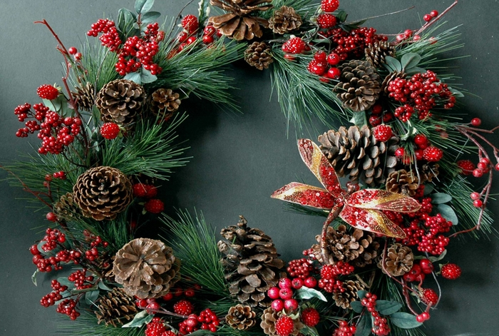 новогодний венок на входную дверь