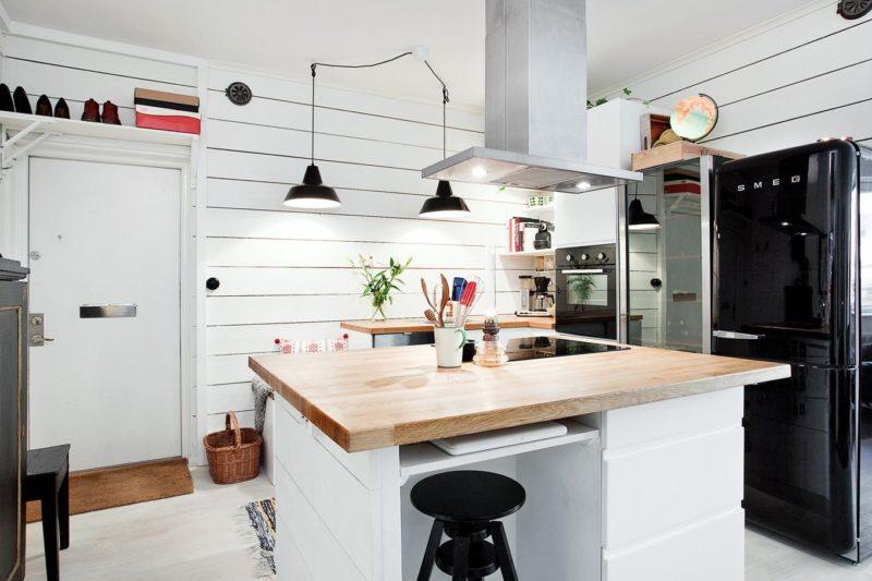 Картины как элемент декора кухни