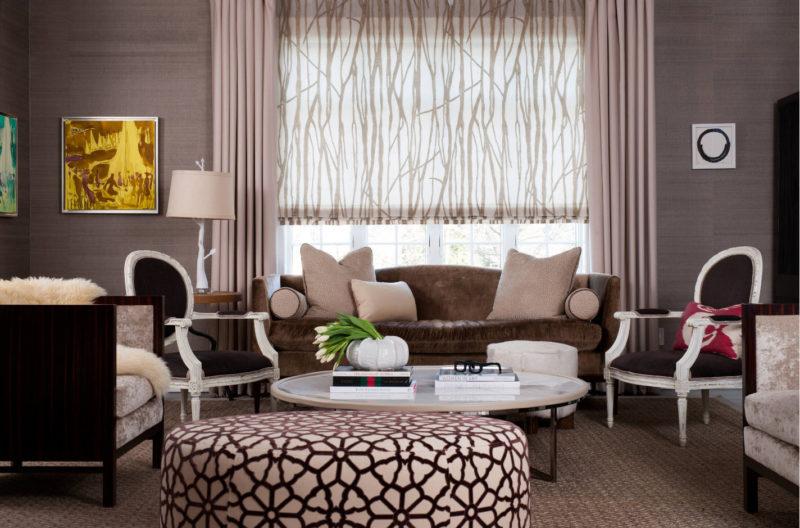 Выбор штор с балконной дверью: жалюзи, римские и рулонные