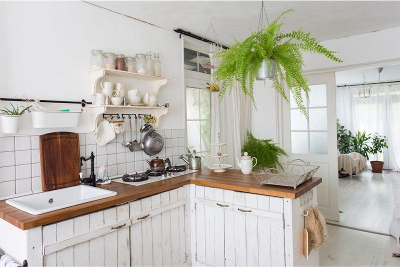 Кухня на даче: выбор стиля