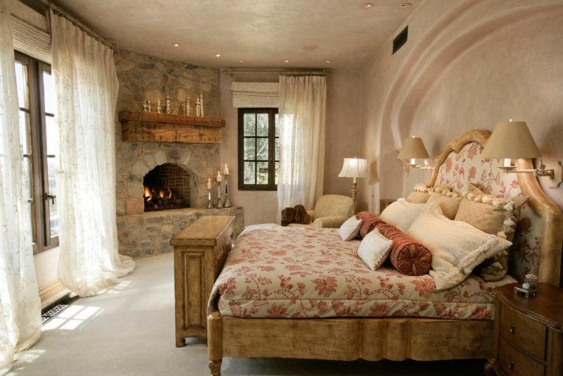 Спальня: отделка декоративной штукатуркой