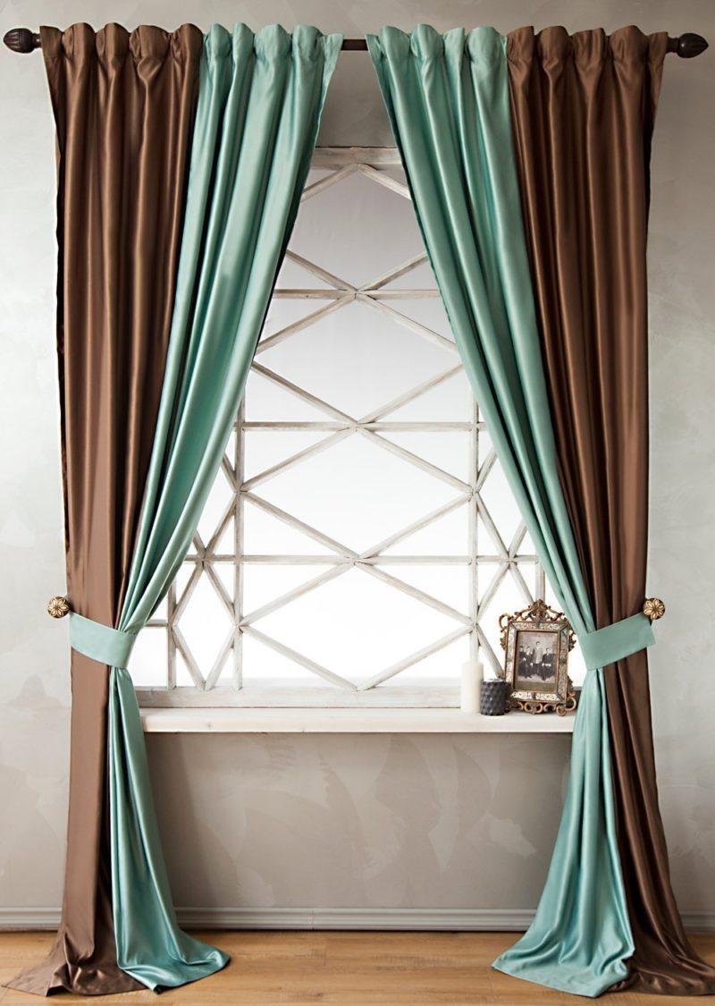 Стили двухцветных штор