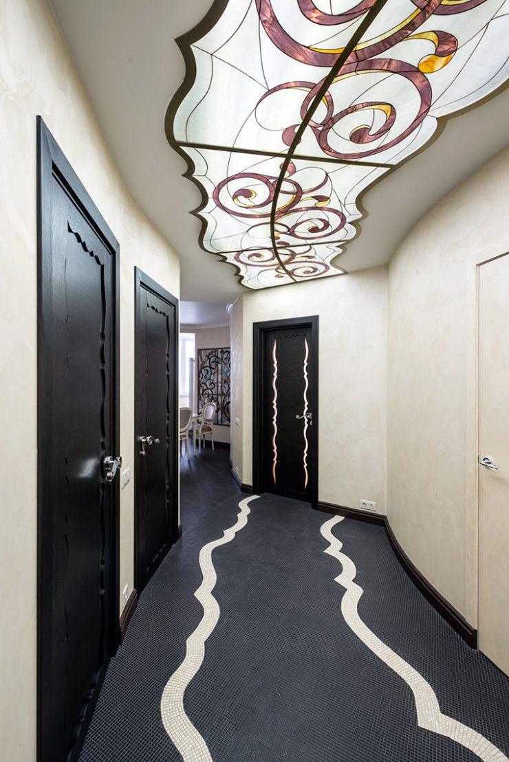Как оформить потолок в коридоре