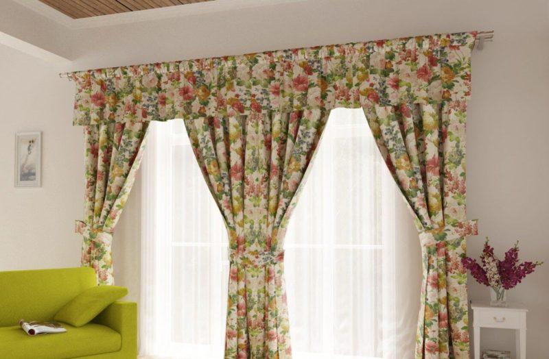 Стиль прованс на кухне: выбор ткани для шторы
