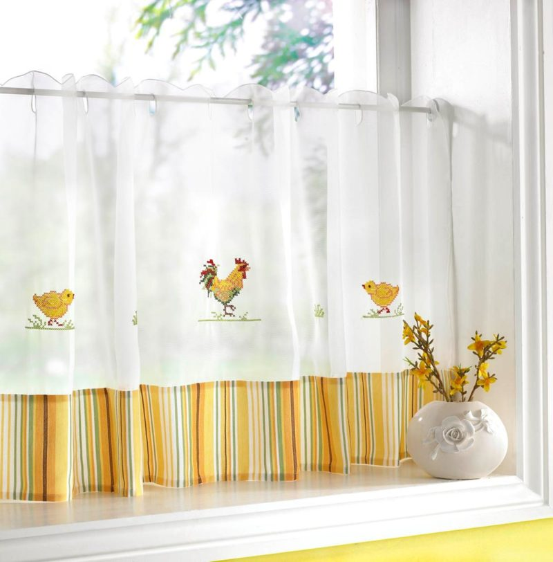 Стиль прованс: желтые шторы