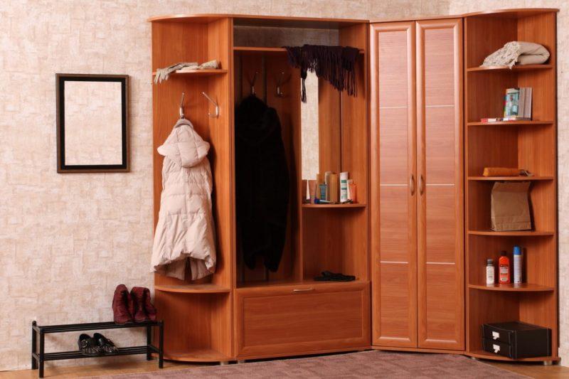 Какую выбрать мебель в прихожую