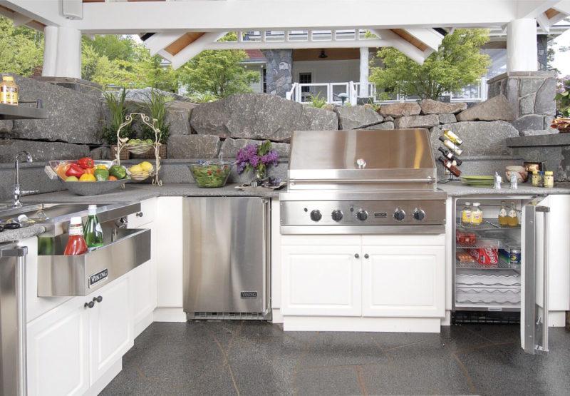 Как обустроить кухню на веранде