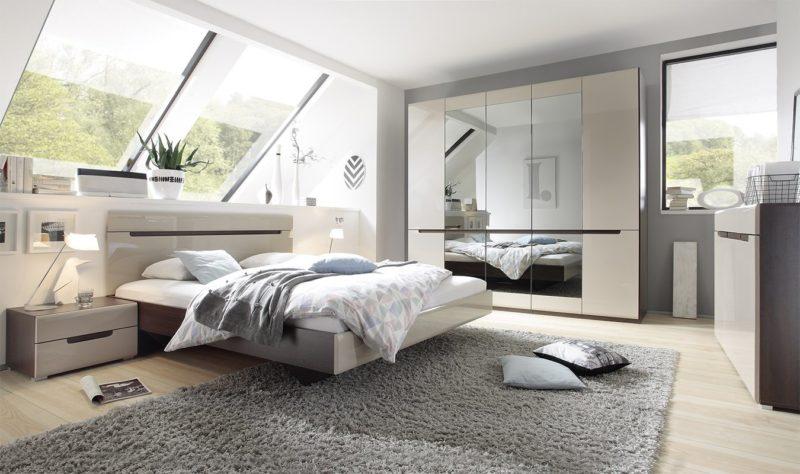 Спальня: куда поставить кровать