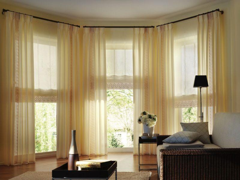 Как выбрать шторы в зал : особенности для балкона