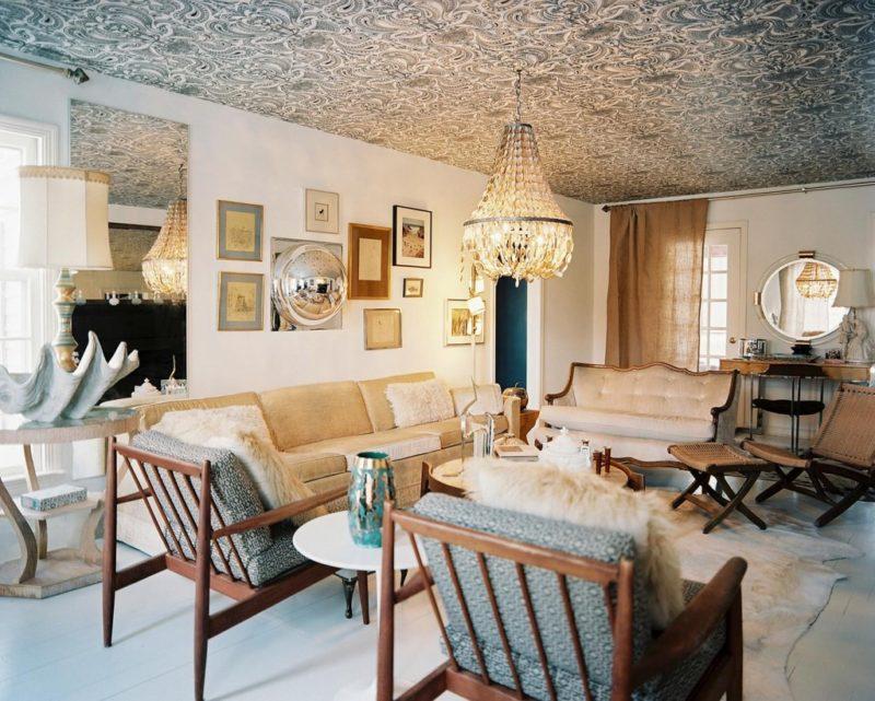 Как задекорировать потолок тканью