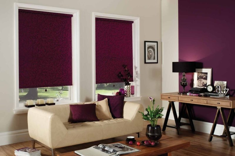 Как выбрать ролл-шторы для гостиной