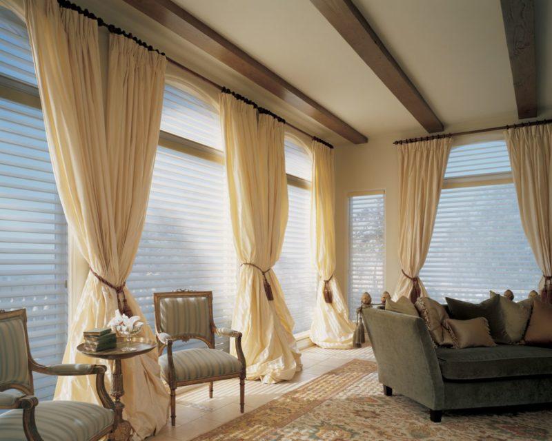 Дизайн интерьера: как повесить симметричные шторы
