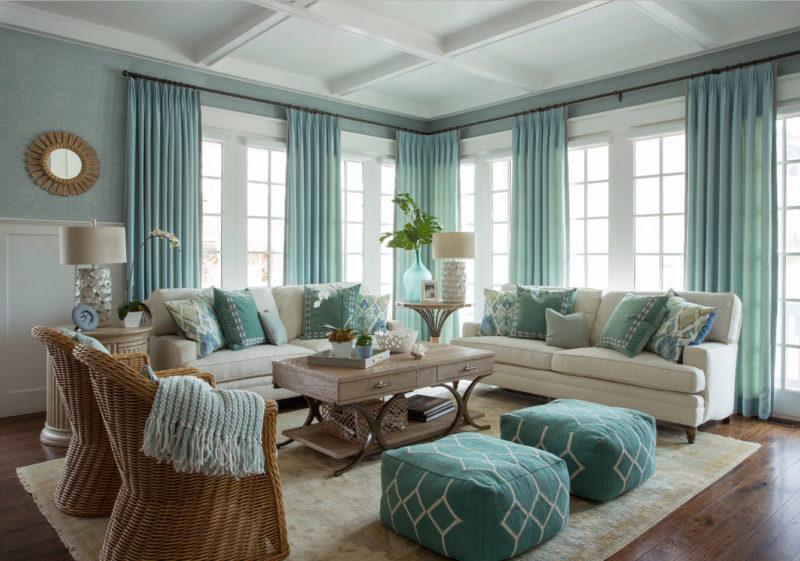 Дизайн гостиной шторами в морском стиле