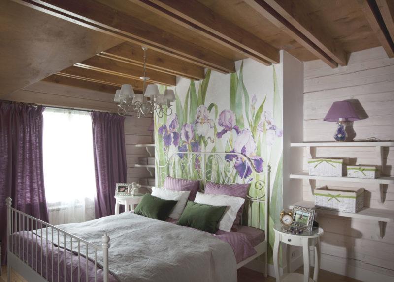 Дизайн помещения фиолетовыми шторами в стиле кантри