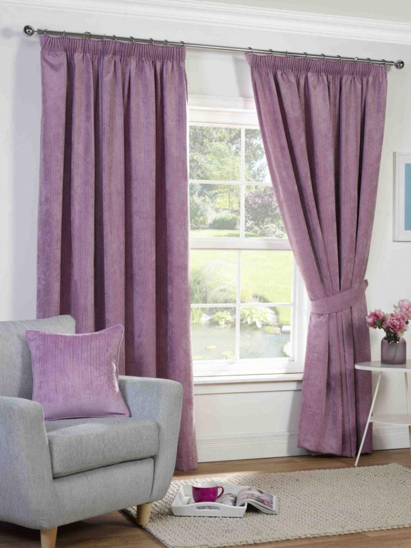 Фиолетовые шторы: особенности оформления окна